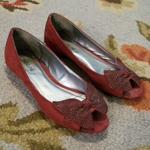 Burgundy red open toe Madeline Stuart flat w/ bow